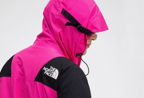 复刻经典!The North Face 推出全新 Mountain Light 夹克